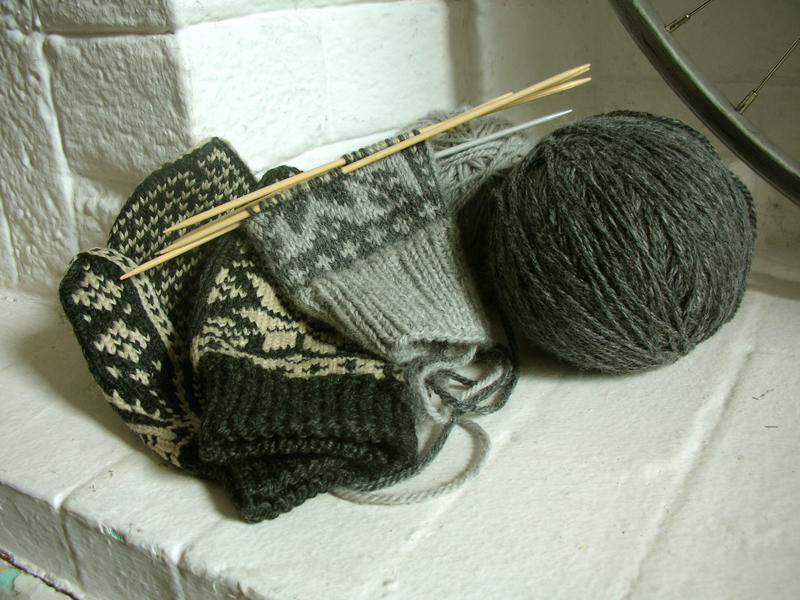 The pattern will be about the same as the finished mittens, but with darker